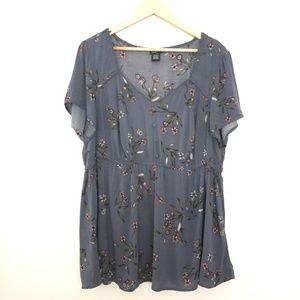 Torrid Short Sleeve Floral Blouse Size 1
